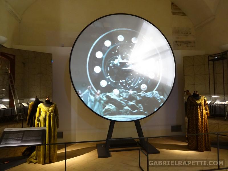 """Sistemi di illuminazione a led sincronizzati con i video per il museo """"Leonardiana"""", Castello Sforzesco di Vigevano. Clienti: AST Vigevano, Migliore & Servetto aa, Eletech."""