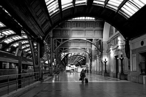 Solitudine, Stazione Centrale, Milano